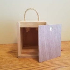 Small gift box for nuts/chocolate/ornament